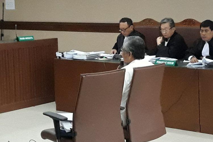 Gubernur nonaktif Sulawesi Tenggara Nur Alam di Pengadilan Tipikor Jakarta, Rabu (28/2/2018).