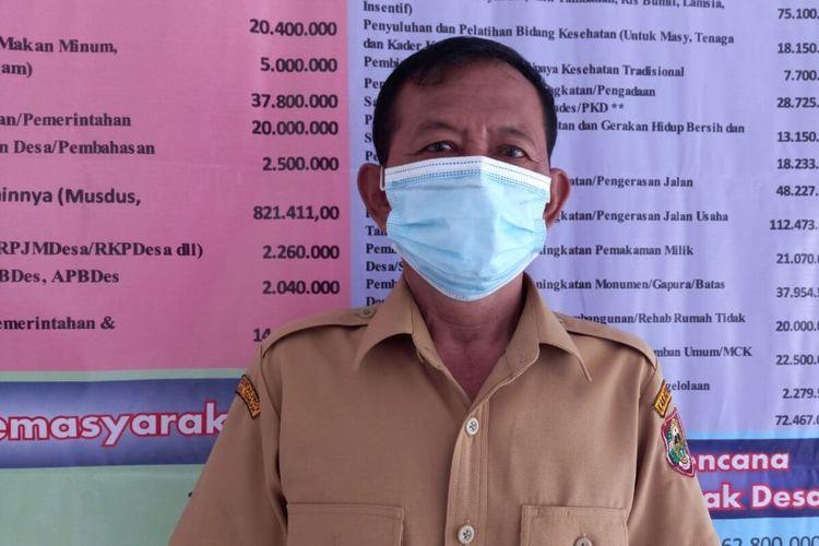 Kepala Desa Jatirejo Suyadi (60) ditemui di Kantor Desa Jatirejo, Sawit, Boyolali, Jateng, Senin (22/2/2021).