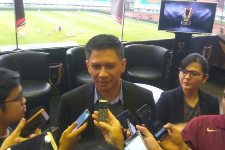 Organizing Committee Piala Indonesia Iwan Budianto dan Sekjen PSSI Ratu Tisha Destria saat menjawab pertanyaan wartawan di Stadion Pakansari, Kabupaten Bogor, Kamis (3/5/2018).
