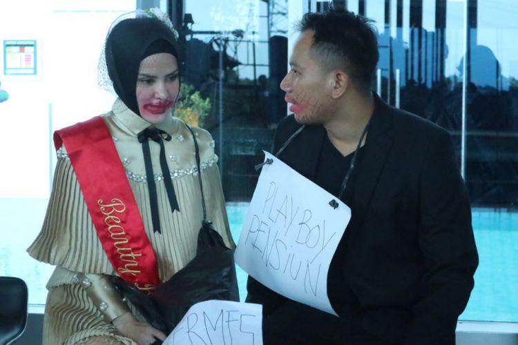 Vicky Prasetyo dan Angel Lelga mengadakan jumpa pers di Hotel Premiere Best Western The Hive Jatinegara, Jakarta Timur, Kamis (25/1/2018) mengenai akad nikah dan resepsi pernikahan mereka.