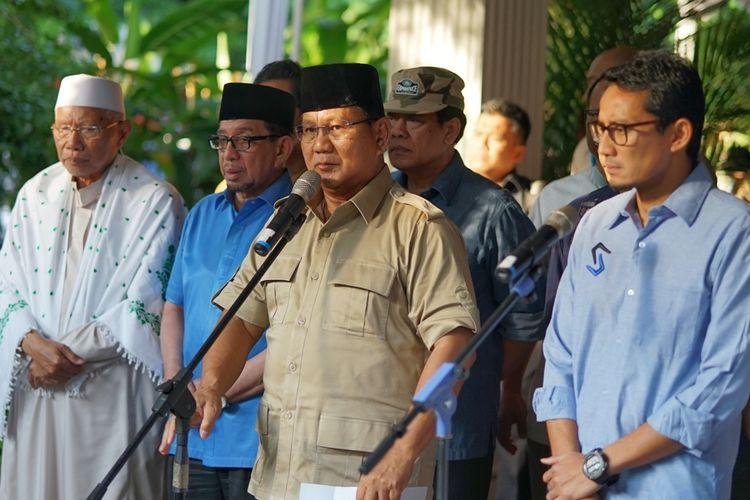 Calon presiden nomor urut 02 Prabowo Subianto saat menggelar konferensi pers di kediamannya, Jalan Kertanegara, Jakarta Selatan, Rabu (22/5/2019).
