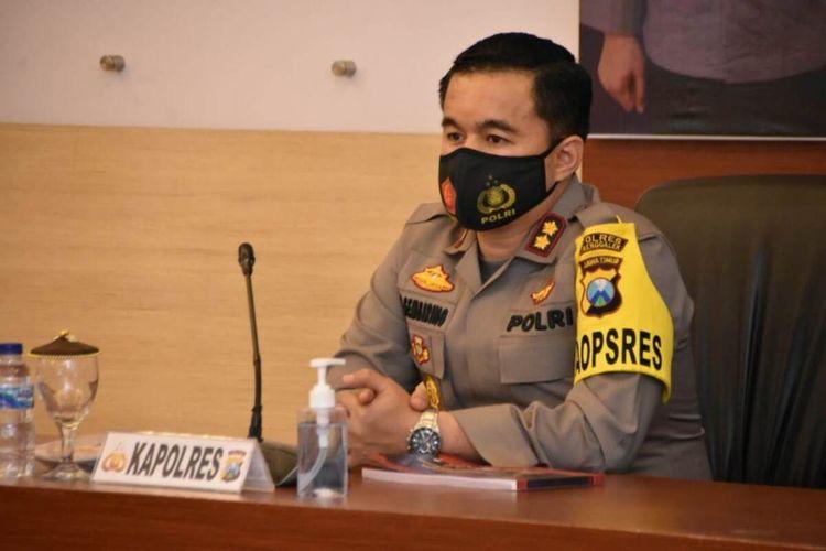 Kapolres Trenggalek AKBP Doni Satria Sembiring ketika menyampaikan pemaparan kepada anggotanya, di ruang Rupatama Polres Trenggalek Jawa Timur beberapa waktu lalu.