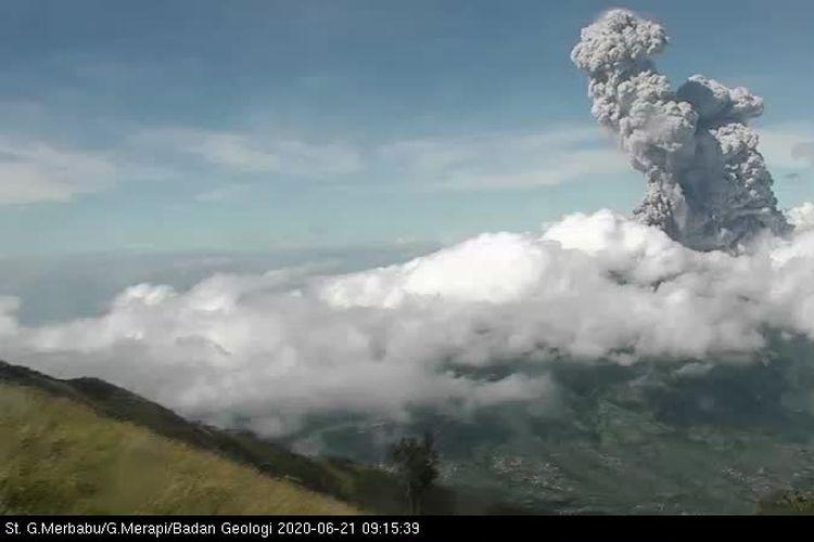 Terjadi erupsi di Gunung #Merapi tanggal 21 Juni 2020 pukul 09.13 WIB.