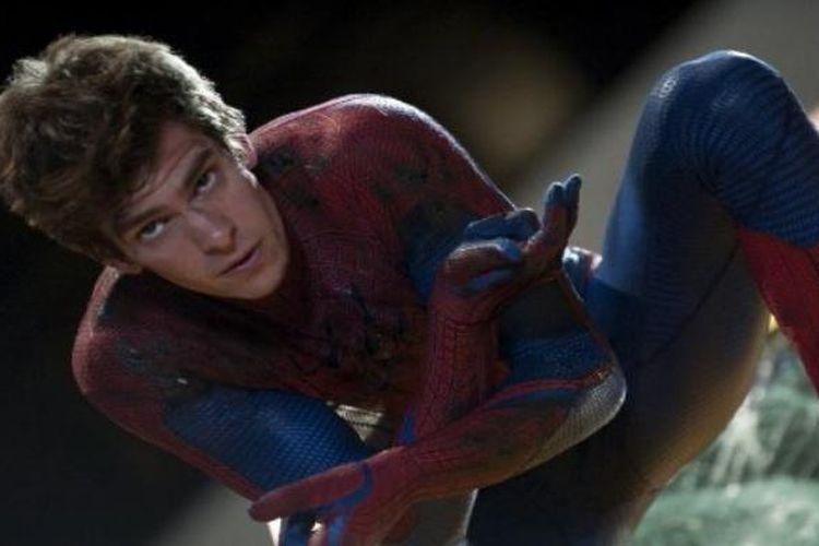 Andrew Garfield berperan sebagai Spider-Man dalam The Amazing Spider-Man (2012).