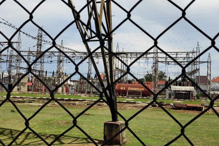 Gardu Induk Cawang PLN di Kramat Jati, Jakarta Timur, Selasa (11/2/2020).