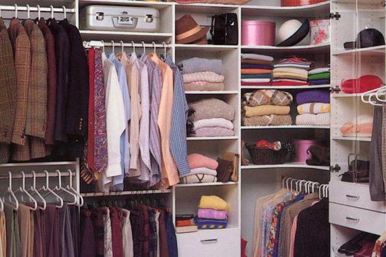 Membenahi lemari baju tidak sulit. Anda hanya perlu menyediakan waktu dan mengetahui trik yang tepat.