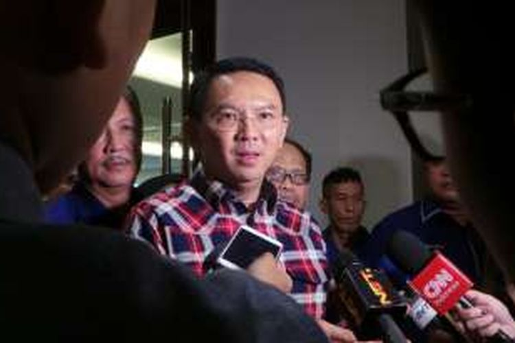 Calon gubernur DKI Jakarta Basuki Tjahaja Purnama atau Ahok saat berada di DPP Nasdem, Gondangdia, Jakarta Pusat, Sabtu (14/1/2017).
