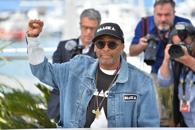 Spike Lee berpose di sesi Photocall untuk film BlacKkKlansman di Festival Film Cannes ke-71, Selasa (15/5/2018).
