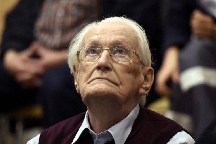 Mantan penjaga kamp penjara Nazi Oskar Groening yang kini berusia 96 tahun.