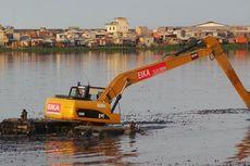Pengerukan Waduk Pluit Terhenti, Warga Khawatir Banjir