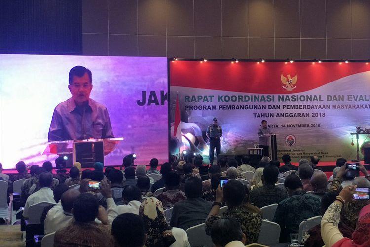 Wakil Presiden Jusuf Kalla memberi sambutan dalam Rapat Koordinasi Nasional dan Evaluasi Program Pemberdayaan dan Pembangunan Masyarakat Desa Tahun Anggaran 2018