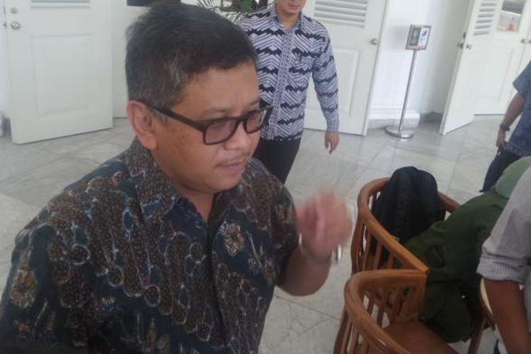 Sekretaris Jenderal Partai Demokrasi Indonesia Perjuangan (PDI-P) Hasto Kristiyanto  mendatangi Gubernur DKI Jakarta Basuki Tjahaja Purnama atau Ahok Balai Kota, Jakarta Pusat, Jumat (24/2/2017)
