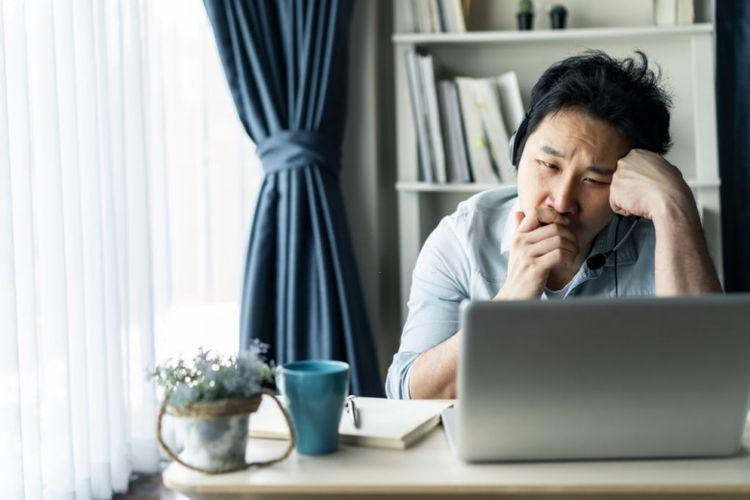 Ilustrasi rasa malas ketika work from home (WFH).