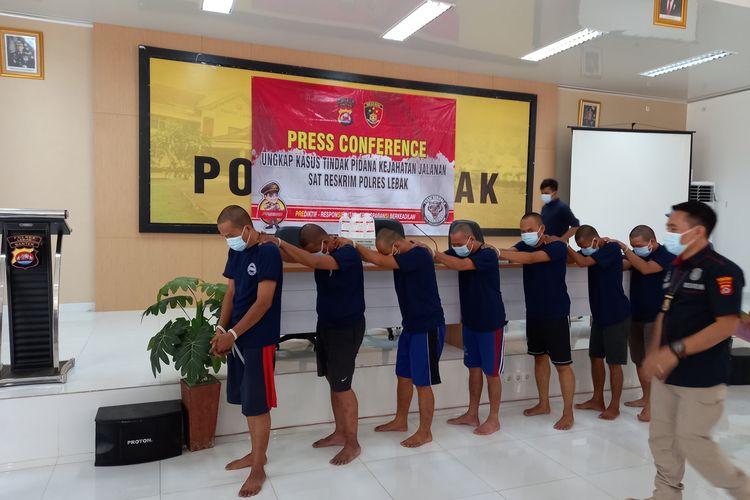 Tujuh orang pegawai RSUD dr Adjidarmo Kabupaten Lebak, Banten ditangkap setalah terbukti mencuri alat kesehatan (alkes) milik rumah sakit, Selasa (18/5/2021)