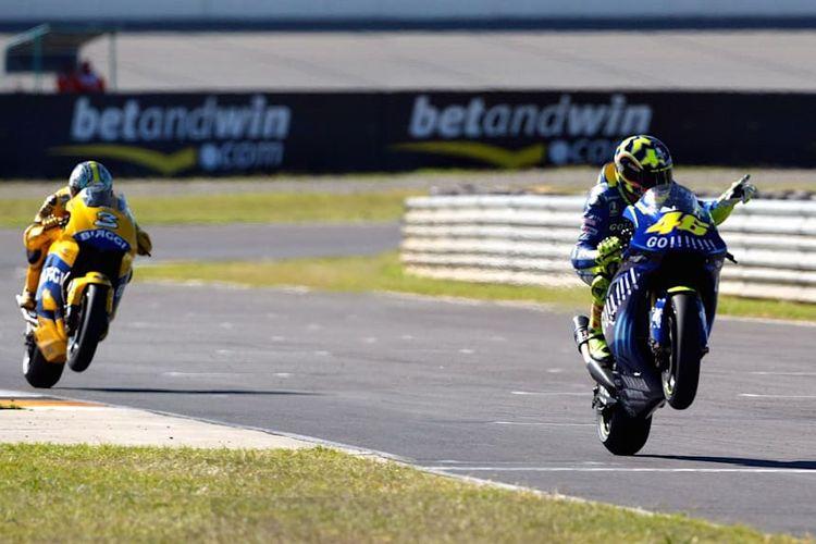 Rossi vs Max Biaggi Welkom 2004