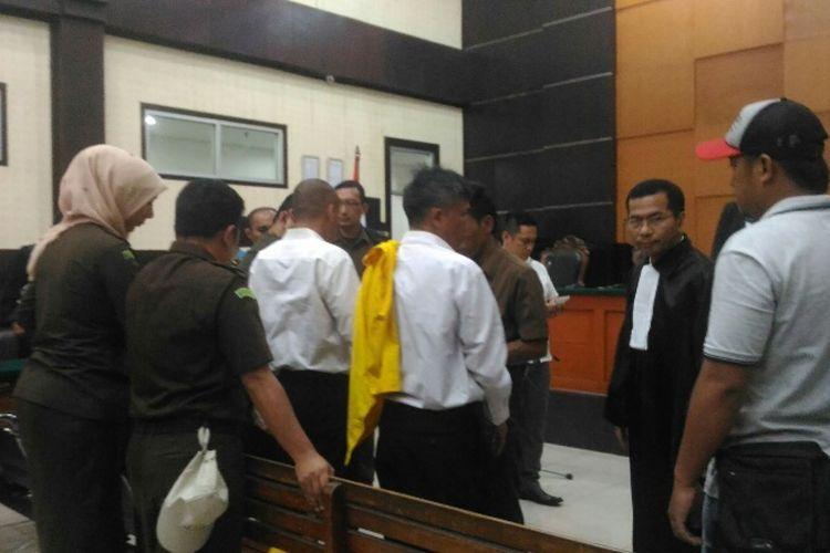 Suasana ruang sidang di PN Jakarta Timur setelah Hakim Ketua Gede Ariawan memvonis para terdakwa perampokan dan pembunuhan di Pulomas pidana hukuman mati dan seumur hidup.