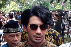 Potret Reza Rahadian Berubah Total Jadi BJ Habibie, 6 Jam Dirias Prostetik