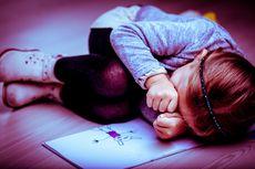 5 Cara Bantu Anak Hadapi Rasa Takutnya
