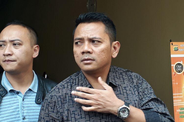 Kasat Narkoba Polres Metro Jakarta Barat, AKBP Suhermanto (kanan), diabadikan di Polres Metro Jakarta Barat pada Selasa (28/3/2017).