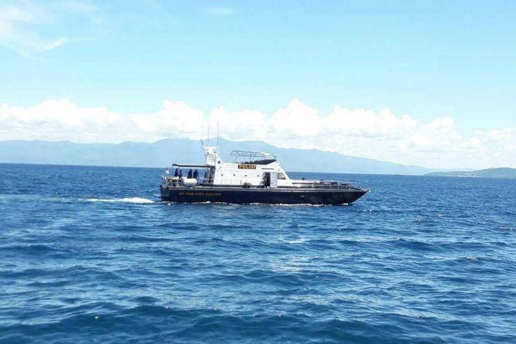 Tim SAR gabungan  mengerahkan dua kapal dan satu unit pesawat milik TNI AL untuk  mencari KM Panji Saputera yang hilang kontak di peraiaran laut Maluku, Minggu (19/1/2020).