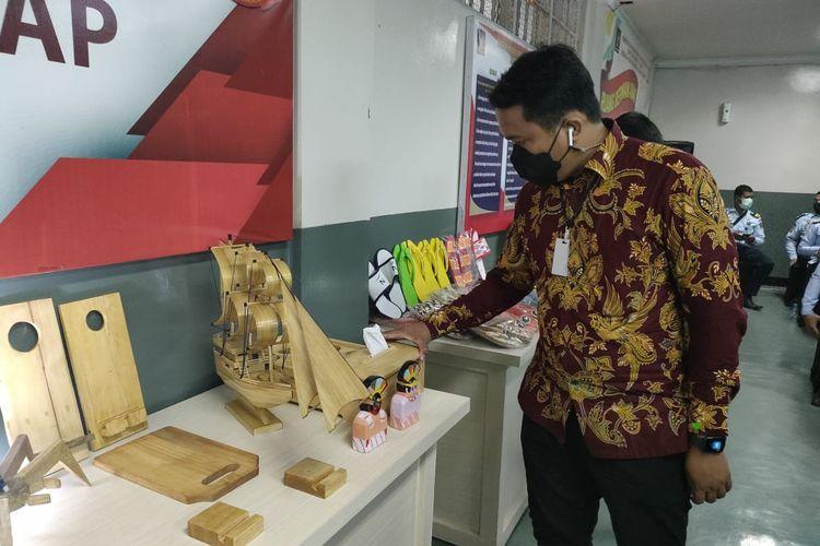 Hasil kerajinan tangan warga binaan Lapas Salemba, Jakarta Pusat.