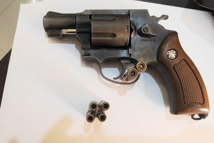 Senjata airsoft gun yang digunakan menembak oleh pelaku di Jalan Kertapura III, Denpasar Barat, Senin (7/10/2019).