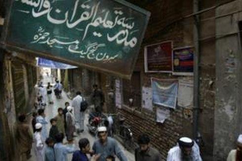 Dicap Organisasi Teroris, Pengelola Madrasah Ganj Berang