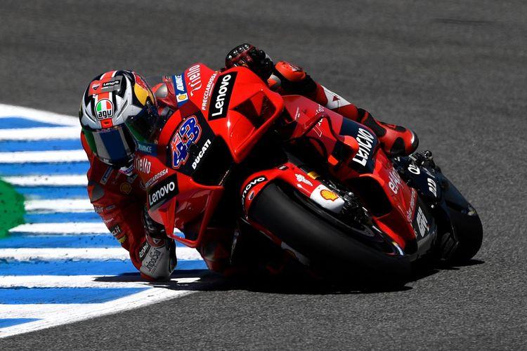 Pebalap Ducati asal Australia, Jack Miller, saat tampil dalam MotoGP Spanyol di Sirkuit Jerez, Spanyol, Minggu (2/5/2021).