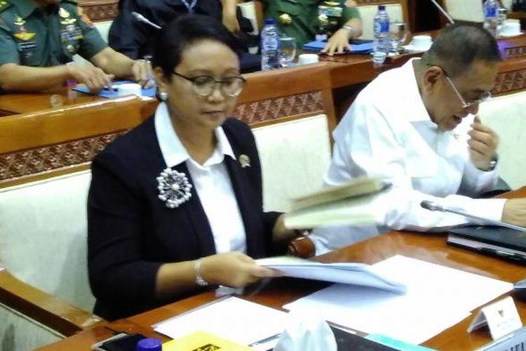 Menteri Luar Negeri Retno Marsudi saat rapat kerja awal tahun 2017 di Komisi I DPR
