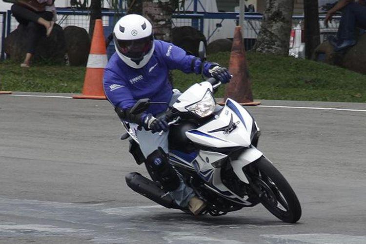 Sasis yang ringan membuat Yamaha Jupiter MX 150 dan MX King mudah bermanuver.