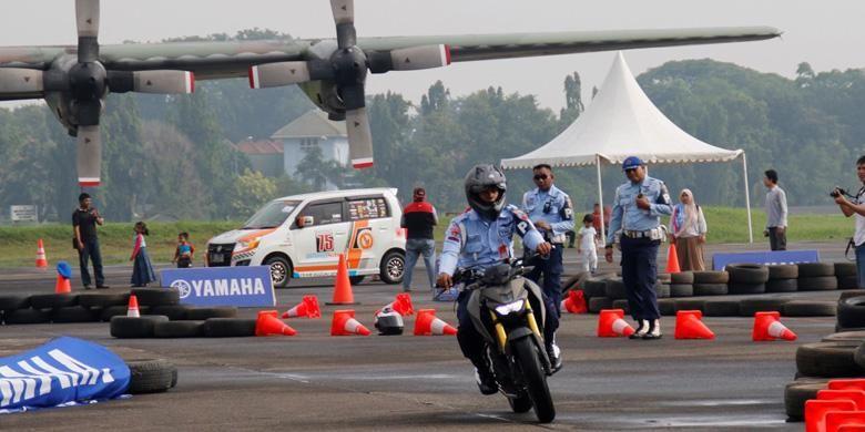 Yamaha Xabre menjadi salah satu menu test ride yang diminati anggota TNI AU dalam perayaan HUT TNI AU ke-70 di Lanud Halim Perdanakusuma, 15-17 April 2016.