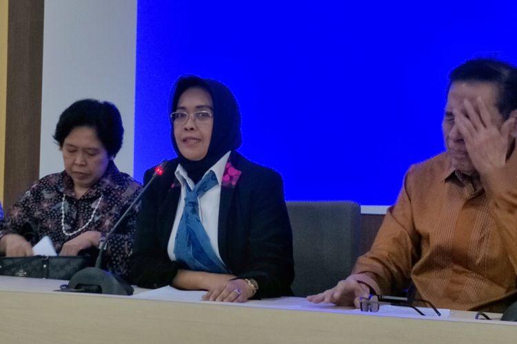 Ketua Tim Panitia Kerja Revisi Kitab Undang-Undang Hukum Pidana (Panja RKUHP) dari pemerintah, Enny Nurbaningsih, saat memberikan keterangan pers di kantor Kementerian Hukum dan HAM, Jakarta Selatan, Rabu (6/6/2018).