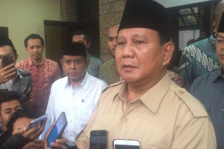 Bakal calon presiden sekaligus Ketua Umum Partai Gerindra Prabowo Subianto di Kantor PBNU, Jakarta, Kamis (16/8/2018).