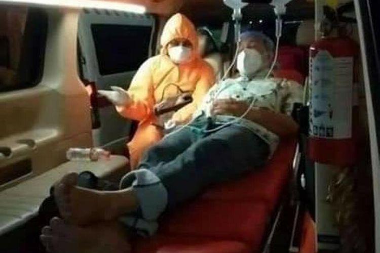 Walikota Lubuk Linggau SN Prana Putra Sohe saat akan dibawa menuju ke rumah sakit di Jakarta lantaran terpapar Covid-19.