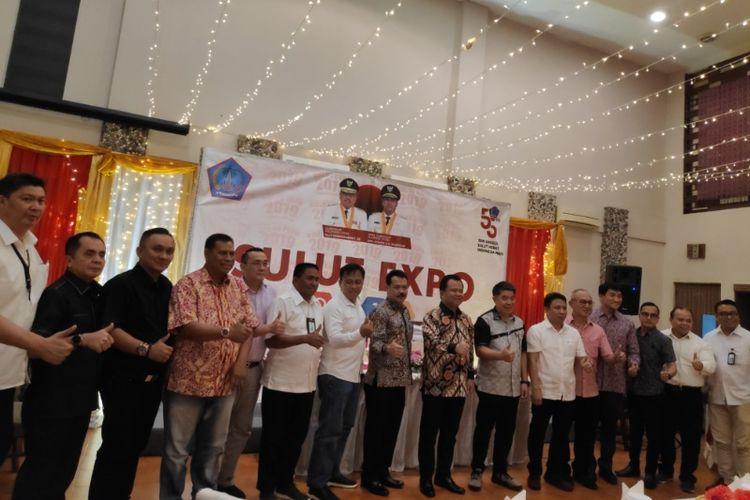 Jajaran panitia dan tamu penyelenggara Sulut Expo 2019.