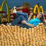 Kisah Unik Pria Pemakan 32.000 Burger Big Mac Selama 49 Tahun