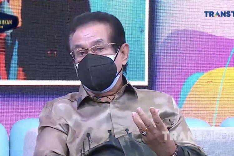 Anwar Fuady dalam acara Rumpi. (Bidikan layar YouTube Trans TV Official).