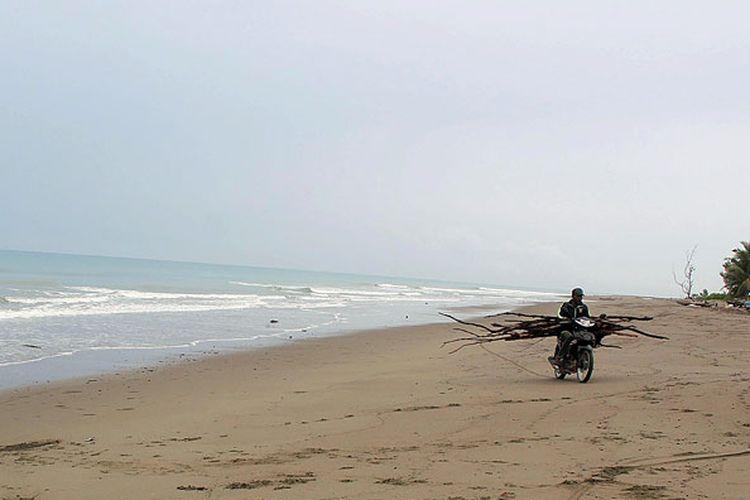 Pantai Motadikin di Desa Fahiluka, Kabupaten Malaka, NTT, menjadi salah satu pantai favorit bagi warga di perbatasan Indonesia dan Timor-Leste. Pemkab Malaka pada tahun anggaran 2017 mengalokasikan anggaran Rp 1 miliar untuk menata kawasan pantai ini.