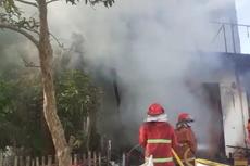 2 Sahabat Ditemukan Tewas Berpelukan Dalam Sebuah Rumah yang Terbakar