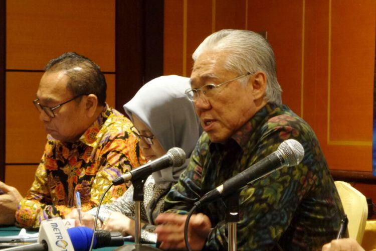 Menteri Perdagangan Enggartiasto Lukita saat menyampaikan hasil rapat kerja Kementerian Perdagangan 2018 di Hotel Borobudur, Jakarta Pusat, Jumat (2/2/2018).