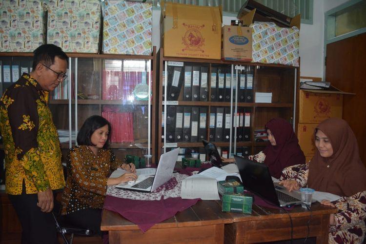 BKPPD Kabupaten Banyumas, Jawa Tengah, membuka layanan informasi penerimaan CPNS 2019.