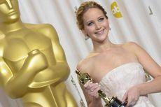 Jennifer Lawrence Berbagi Kebahagiaan Natal