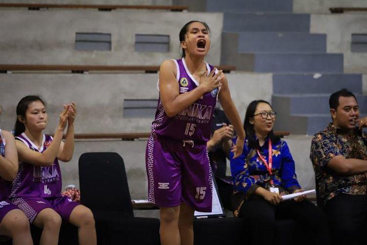 Di sektor putri,  tuan rumah Universitas Katolik Soegijapranata (Unika Soegijapranata) tampik sebagai yang terbaik usai  menyingkirkan juara bertahan  Universitas Dian Nuswantoro (Udinus) dengan skor 57-47.