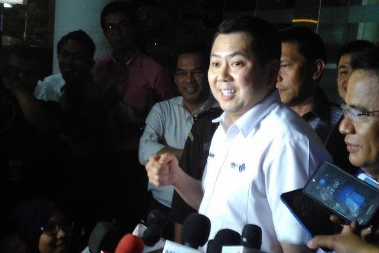 CEO MNC Group Hary Tanoesoedibjo usai diperiksa penyidik Kejaksaan Agung, Kamis (17/3/2016).