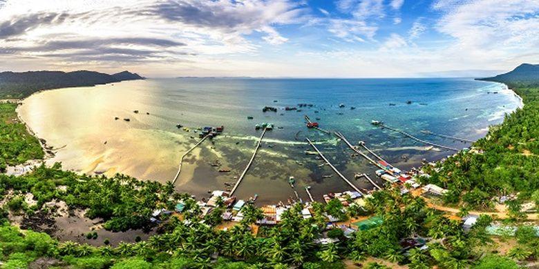 Ilustrasi Vietnam - Pantai Rach Vem di Pulau Phu Quoc, Vietnam.