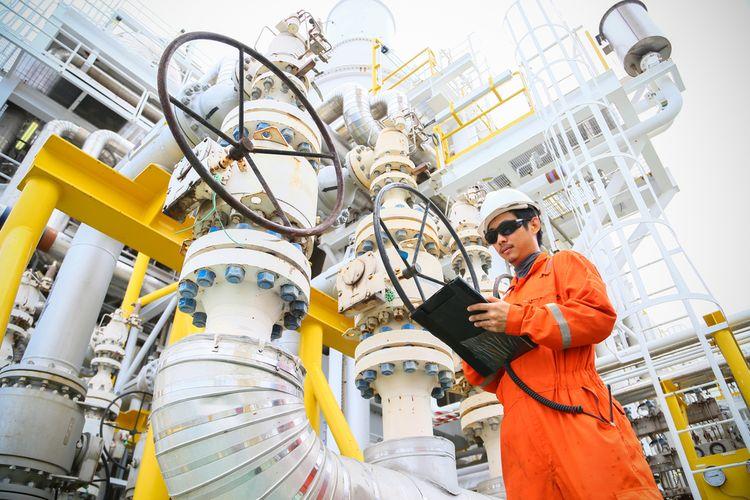 Ilustrasi pekerja minyak dan gas (migas).