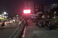 Pukul 17.56 WIB, Tugu Tani Sudah Bisa Dilalui Pengendara Setelah Bentrokan Massa dan Polisi
