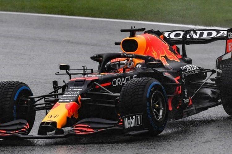 Pebalap Red Bull Racing, Max Verstappen, saat mengikuti balapan F1 GP Belgia 2021 yang dihelat di Sirkuit  Spa-Francorchamps pada Minggu (29/8/2021) malam WIB.