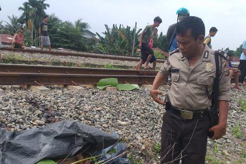 Seorang Pria Melompat ke Rel Saat Kereta Api Melaju