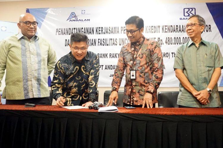 Penandatanganan kerja sama Andalan Finance dengan PT Bank Rakyat Indonesia (Persero) Tbk di Jakarta.